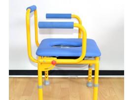 Кресло-стул с санитарным оснащением FS 813 (S)